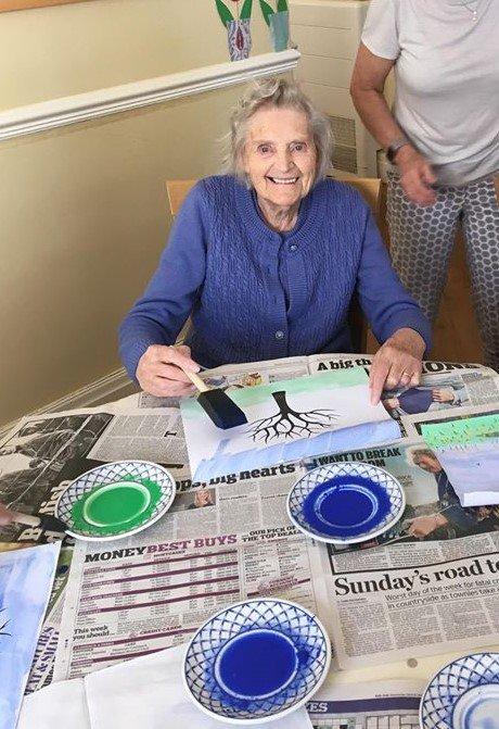 Ivy Lodge Retirement Home - Art Class